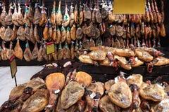 BARCELONA HISZPANIA, WRZESIEŃ, - 09, 2017: Jamon Serrano iść na piechotę mięso h Zdjęcie Royalty Free