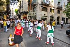 25 Barcelona-JULI: Adembenemende prestaties op 25 Juli, 2013 in Barcelona. Royalty-vrije Stock Fotografie