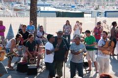 25 Barcelona-JULI: Straatoverleg op 25,2013 Augustus in Barcelona, Catalonië. Spanje. Royalty-vrije Stock Foto's