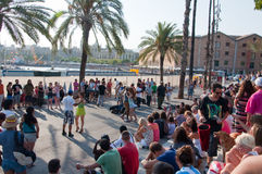 25 Barcelona-JULI: Straatoverleg op 25,2013 Augustus in Barcelona, Catalonië. Spanje. Stock Afbeeldingen