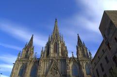 Barcelona-Kathedralendachspitze lizenzfreies stockfoto