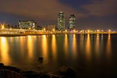 Barcelona linia brzegowa przy nocą Obrazy Stock
