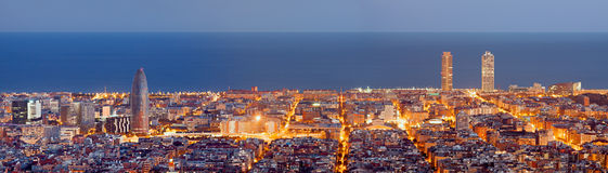 Barcelona linii horyzontu panorama przy nocą Fotografia Stock