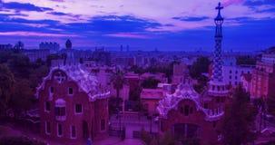 Barcelona linii horyzontu timelapse Parkowy Guell projektujący Antoni Gaudi w Barcelona zbiory wideo