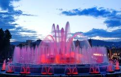 Barcelona magisk springbrunn i Plaza de Espana, Spanien Arkivbild