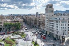 BARCELONA - MAJ 13, 2018: Flyg- sikt av den Calalunya fyrkanten bucharest c e kontor Royaltyfri Foto