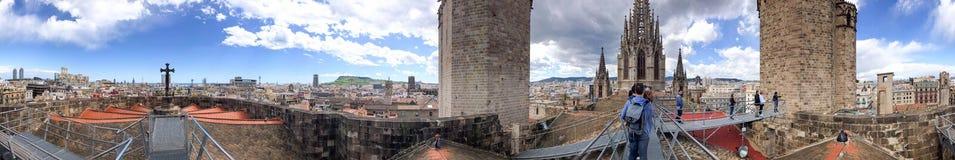 BARCELONA - MAJ 14, 2018: Panoramautsikt av Barcelona från ten Royaltyfria Bilder