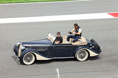 BARCELONA- MAY 9: Robert Kubica of Renault  on par Stock Photos
