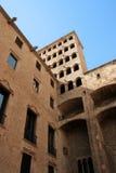 Barcelona: middeleeuwse Palau Reial in Placa del Rei Stock Foto