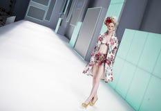 080 BARCELONA moda - CELIA VELA wybieg Zdjęcia Stock