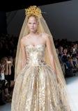 BARCELONA mody BRIDAL tydzień - NAEEM KHAN wybieg Obraz Royalty Free
