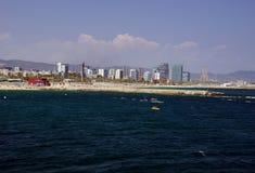 Barcelona-Nordstrand angesehen vom Meer stockbild