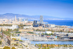 Barcelona panorama z Portowym Vell w Barcelona, Hiszpania Zdjęcie Royalty Free