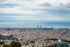 Barcelona panoramautsikt från det Tibidabo berget Royaltyfri Fotografi