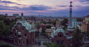 Barcelona punkty zwrotni Ranek w Parkowym Guell projektującym Antoni Gaudi w Hiszpania zbiory