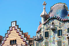 BARCELONA, SPAIN/EUROPE - CZERWIEC 1: Fotograf na Casa Batlo sk Zdjęcie Royalty Free