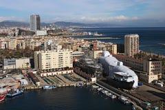 barcelona spain JANUARI 02, 2016 Port av Barcelona den flyg- sikten i solig vinterdag Royaltyfria Bilder