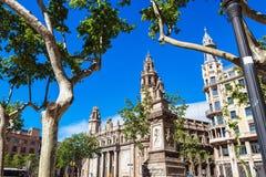 Barcelona Spanien - April 17, 2016: Post- och telegrafbyggnad Arkivbilder