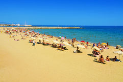Barceloneta strand i Barcelona, Spanien Arkivfoto