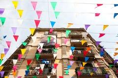 Barcelona Spanien - byggnadsfasad och garneringar i Barceloneta discrict Arkivfoto