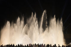 Barcelona Spanien: den magiska springbrunnen Royaltyfri Fotografi