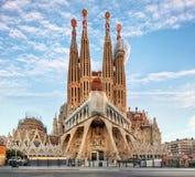 BARCELONA SPANIEN - FEBRUARI 10: La Sagrada Familia - imponera Royaltyfri Foto