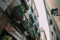 BARCELONA SPANIEN - JUNI 30 Den huvudsakliga gatan via Laietana är namnet av en viktig allmän landsväg i Barcelona på Juni 30 Royaltyfria Bilder