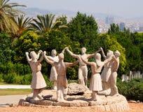 Barcelona Spanien - Juni 29, 2013: Den skulpturala sammansättningen Royaltyfri Bild