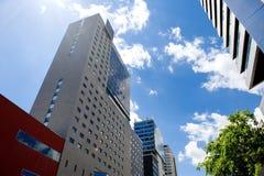 BARCELONA, SPANIEN, am 15. Mai 2016 - moderne Gebäude in Poblenou-Bezirk Stockfotografie