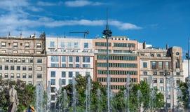 BARCELONA SPANIEN - MAJ 13, 2018: Catalunya fyrkant på ett härligt Fotografering för Bildbyråer