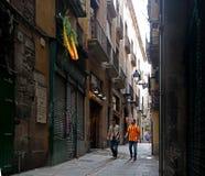 Barcelona Spanien - Maj 17, 2014: FC Barcelonafans går till matchen Arkivfoton