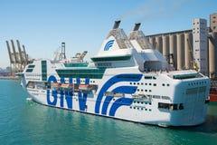 Barcelona Spanien - mars 30, 2016: extas Genova för haveyeliner GNV i havsport Kryssningdestination på eyelinertur royaltyfria foton