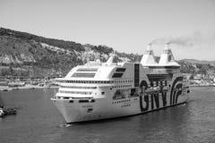 Barcelona Spanien - mars 30, 2016: extas Genova för passagerareskepp GNV i hamn Kryssningdestination och tur på royaltyfri bild