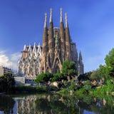 BARCELONA SPANIEN - OKTOBER 8: LaSagrada Familia domkyrka Arkivfoto
