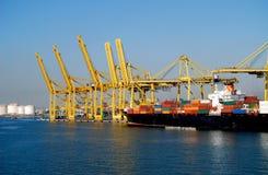 Barcelona Spanien port för behållareskepp Royaltyfri Foto