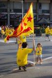 BARCELONA SPANIEN - SEPT 11: Visande ingependence för familj på Arkivbild