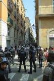 BARCELONA SPANIEN - SEPTEMBER 11, 2014: Antifa manifestation Arkivbilder
