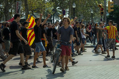 BARCELONA SPANIEN - SEPTEMBER 11, 2014: Antifa manifestation Royaltyfri Bild