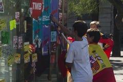 Barcelona Spanien, 8th Augusti 2017: Demonstration för enhet med Spanien Arkivbilder