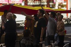 Barcelona Spanien, 8th Augusti 2017: Supportrar för enhet med den Spanien waen Arkivfoton