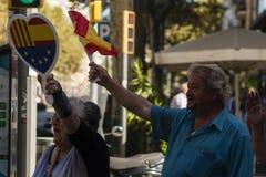 Barcelona Spanien, 8th Augusti 2107: Supportrar för enhet med den Spanien waen Royaltyfria Foton