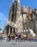 Barcelona, Spanje - April, 27, 2014: Abdelaziz Merzougui-duwen hard op zijn tweede overlapping om de 30ste Sagrada Familia mijl t Royalty-vrije Stock Afbeeldingen