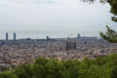 BARCELONA, SPANJE - 30 AUGUSTUS, 2017: de brede hoek van Barcelona schoot van de bunkers DE die carmel panoramisch verbazen aanbi Royalty-vrije Stock Foto