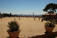 Barcelona, Spanje, Augustus 2015 Ingemaakte installaties op een open gebied in Gaudi-Park royalty-vrije stock foto's