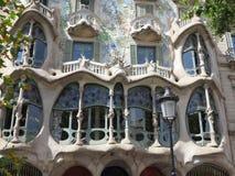 05 07 2016 Barcelona Spanje - het Huis, de Voorgevel en de vensters van Batllo Stock Fotografie