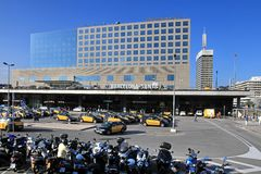 BARCELONA, SPANJE - Juli 8, 2014 Mening van wailway stati van Sants Stock Afbeeldingen