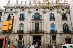 BARCELONA, SPANJE - JUNI 30 De hoofdstraat via Laietana is de naam van een belangrijke doorgang in Barcelona op 30 Juni Stock Fotografie