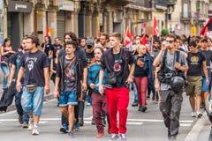 BARCELONA, SPANJE - OKTOBER 3, 2017: Demonstratiesystemen die Catalaanse vlag dragen tijdens protesten voor onafhankelijkheid in  Stock Afbeeldingen