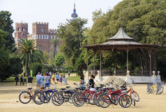 BARCELONA, SPANJE - SEPTEMBER 26, 2014: Fietsparkeren in Parc DE La Ciutadella in Barcelona, Spanje Royalty-vrije Stock Afbeelding