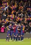 Barcelona spelare som firar ett mål Fotografering för Bildbyråer